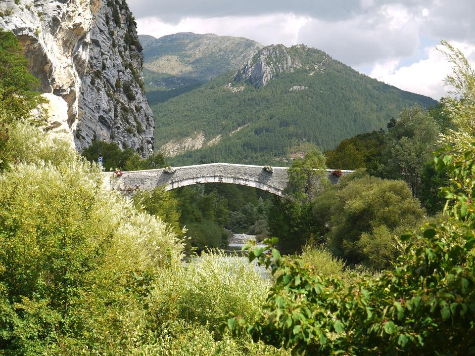 GR 4 - du Plan d'Entrevaux à Pont-Saint-Esprit