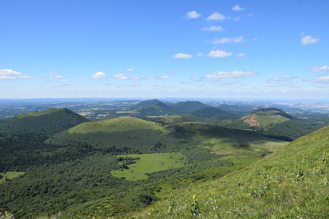 Le sentier GR® 441Tour de la Chaîne des Puys