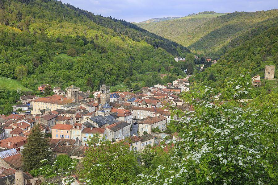Le sentier GR de Pays du Val d'Allier, Aux marches du Cézallier