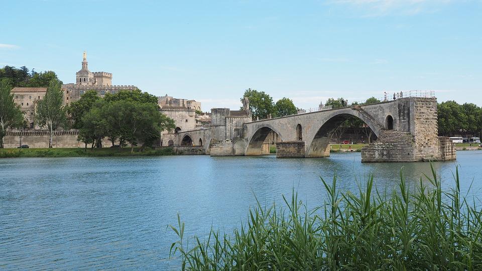 Chemin Urbain V, d'Uzès à Avignon