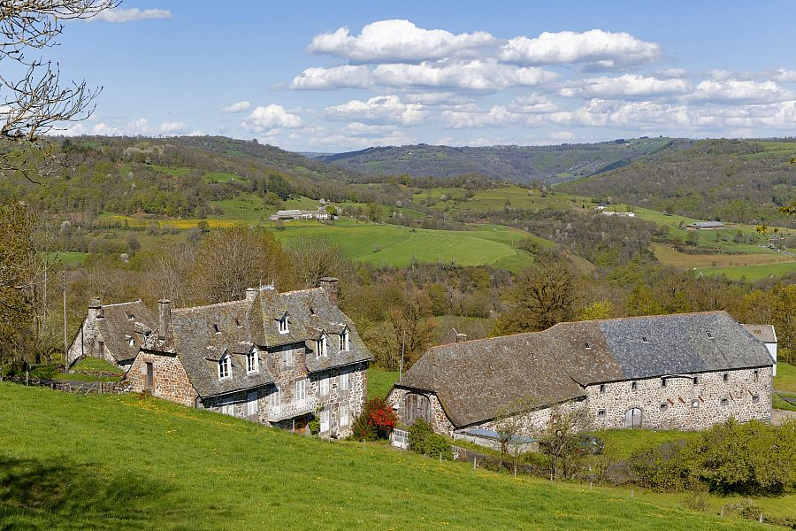 GR® 465, Entre gorges et vallées du Cantal et de l'Aveyron
